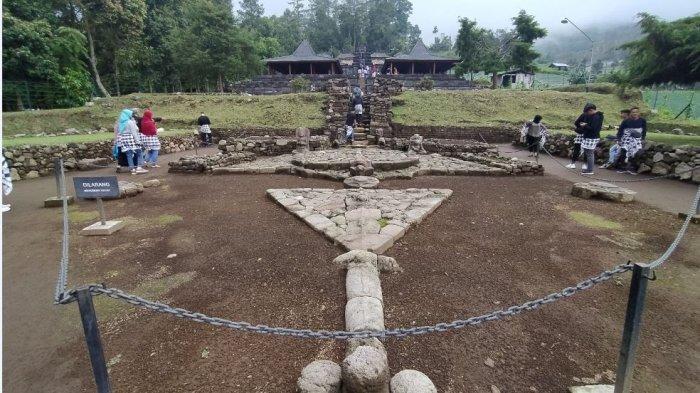 Hari Pertama Pembukaan Candi Cetho dan Sukuh Masih Sepi Pengunjung