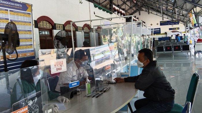 Vaksin Sinovac di Stasiun Semarang Hari Pertama Cukup untuk 11 Penumpang, 39 Orang Batal Berangkat