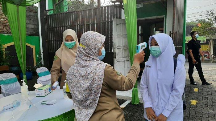 Gubernur Ganjar Apresiasi Adanya Satgas Covid-19 Awasi Aktivitas di Sekolah