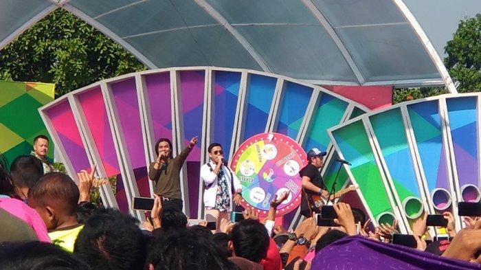 Ribuan Warga Nikmati Sajian Panggung Hiburan di Alun-alun pada Hari Jadi Rembang ke-278
