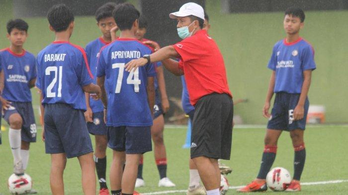Jaya Hartono Mantan Pelatih Persib Bandung Gabung Safin Pati Football Academy