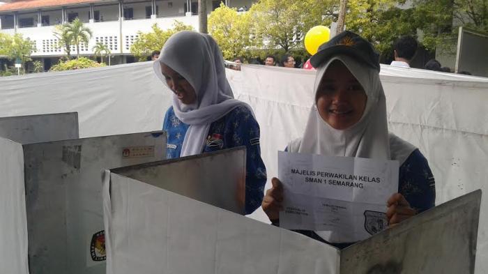 Coblosan Pemilihan Ketua OSIS di SMAN 1 Semarang Seperti Pilkada