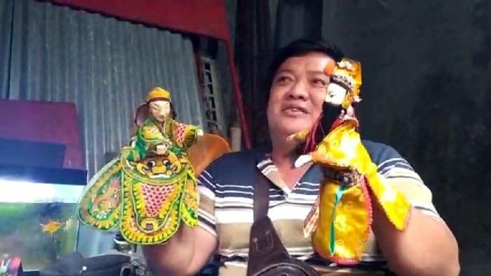 Dalang Wayang Potehi Semarang Tak Manggung Pas Imlek, Herdian Chandra Irawan Pilih Jualan Angkringan