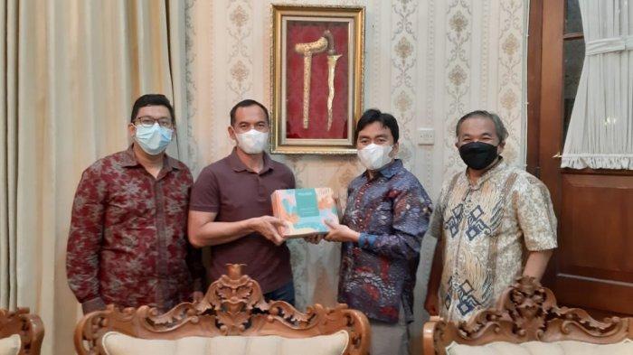 CEO Wardah Bantu Renovasi Rumah Tidak Layak Huni di Surakarta