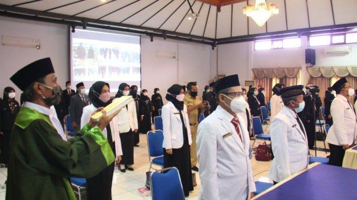 Dedy Yon Lantik 284 ASN Kota Tegal Secara Virtual