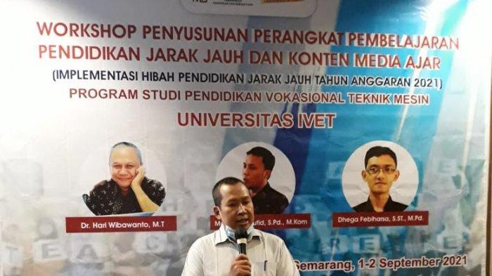 Dekan Fakultas Saintek Dr Fuad Abdillah memberikan sambutan sekaligus membuka acara kegiatan Workshop Bagi Dosen di Hotel Normans Semarang Rabu, (1/9/21)