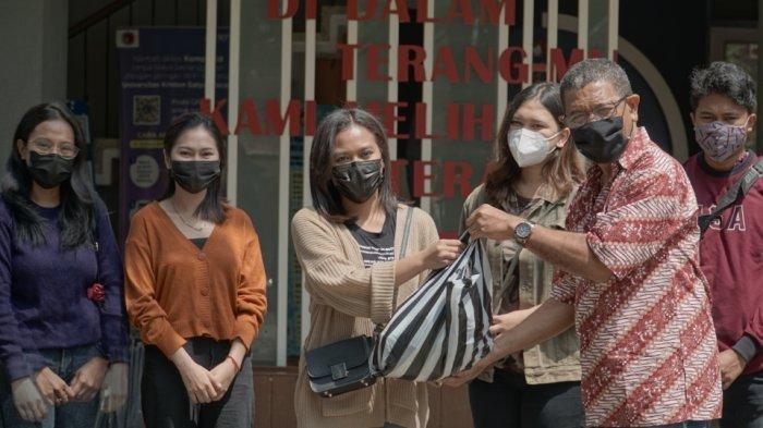 Fiskom UKSW Salatiga Salurkan Bantuan bagi Korban Bencana di NTT