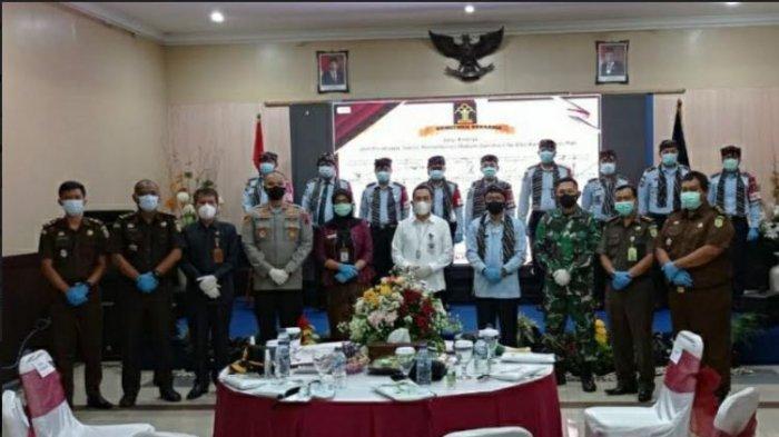 Hadiri Deklarasi Janji Kinerja Satker Kemenkumham di Kantor Imigrasi, Ini Harapan Bupati Haryanto
