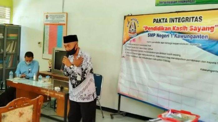 Guru SMP Negeri 1 Kawunganten Cilacap Deklarasikan Pendidikan Kasih Sayang,