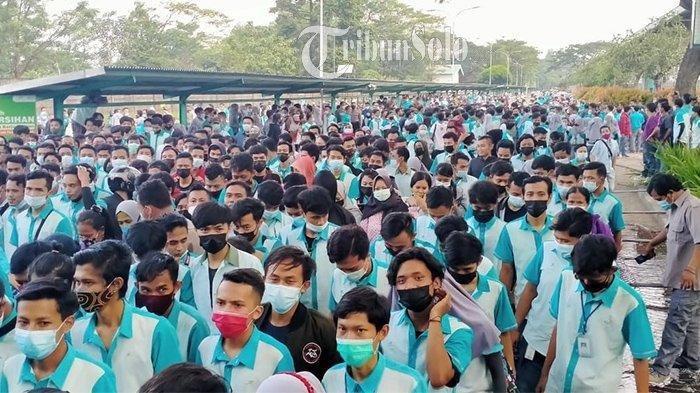 Buruh Pan Brother Boyolali Minta Gaji dan THR Dilunasi, Kompak Mogok Kerja, Pilih Bakar Ban
