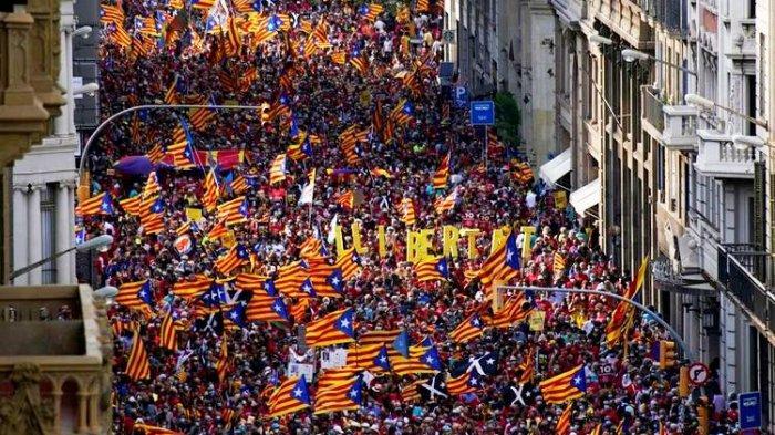 Ratusan Ribu Warga Catalonia Gelar Demonstrasi Besar-besaran, Tuntut Merdeka dari Spanyol
