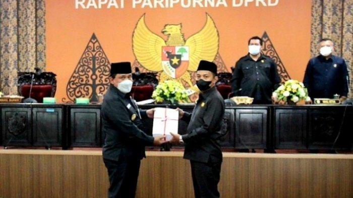 Bupati Dico Sampaikan Jawaban atas Pandangan Umum Fraksi-fraksi DPRD Kendal