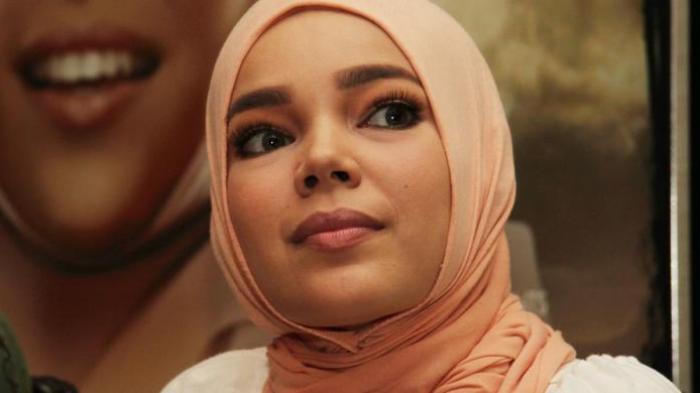 Dewi Sandra Ungkap Alasan Bungkam Soal Kematian Glenn Fredly Mantan Suaminya