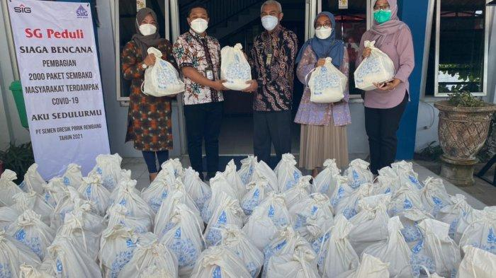 Peduli Warga Terdampak Covid-19, Semen Gresik Salurkan 2.000 Paket Sembako