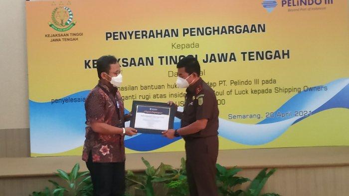 Kejati Jawa Tengah Terima Penghargaan dari Pelindo III