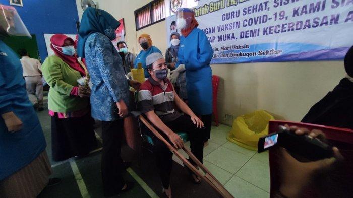 Puluhan Warga Penyandang Disabilitas di Patikraja Banyumas Disuntik Vaksin Sinopharm