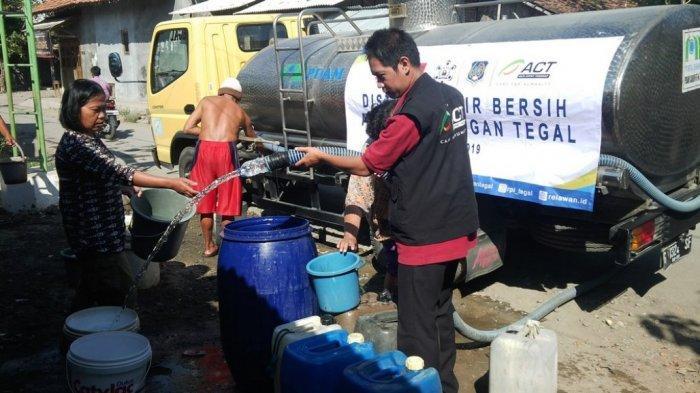 ACT Berikan Belasan Ribu Liter Air Bersih untuk Warga Terdampak Kekeringan di Kabupaten Tegal