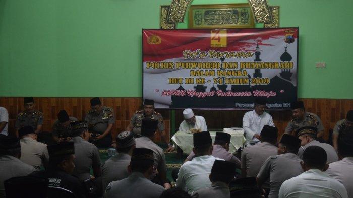 Doa Bersama Peringati HUT RI ke-74 di Polres Purworejo, AKBP Indra : Semoga Negara Semakin Maju