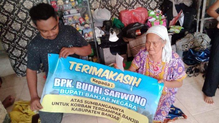 Bupati Banjarnegara Rogoh Duit Pribadi Rp 300 Juta Sumbang Korban Bencana Alam