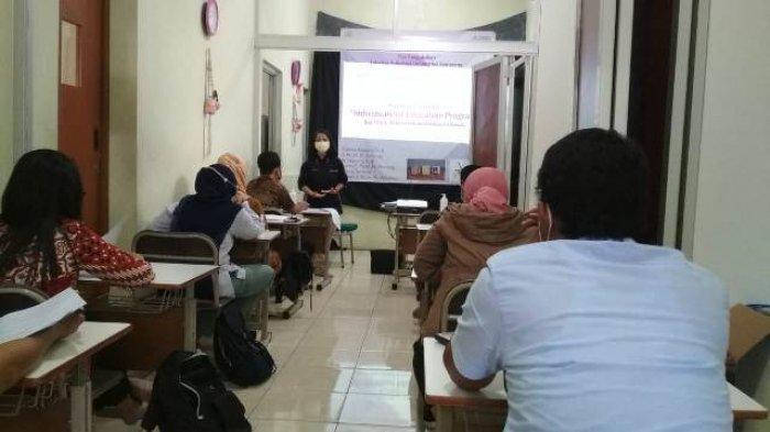 Dosen USM Beri Pelatihan Pembuatan Individualized Education Program Guru Sekolah Berkebutuhan Khusus