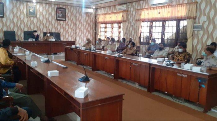 DPRD Demak Audiensi dengan Warga Wonosalam Terdampak Tol Semarang-Demak