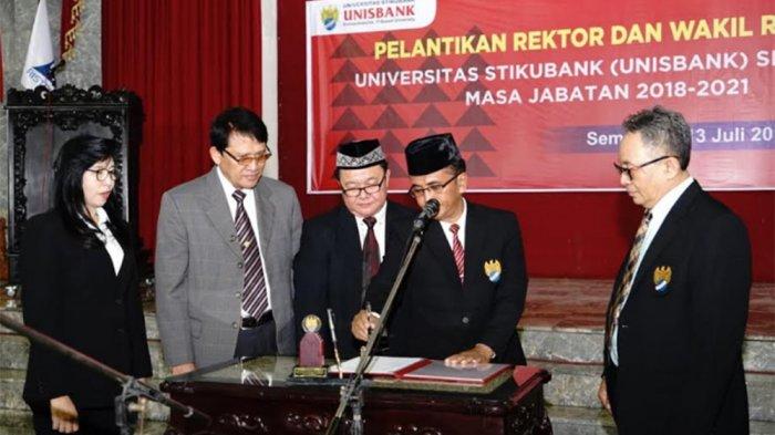 DR Safik Faozi Dilantik Jadi Rektor Unisbank Semarang