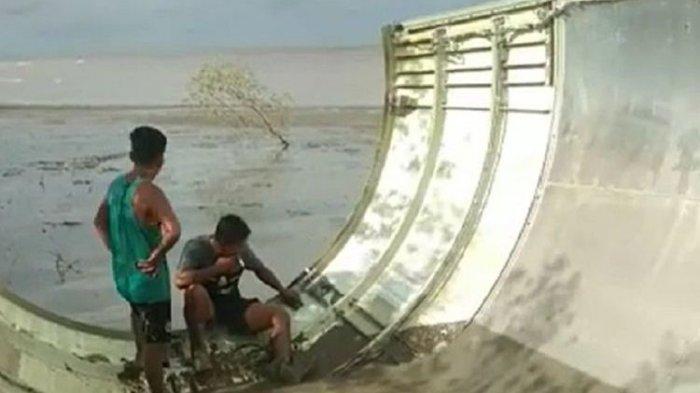 Ditemukan Benda Mirip Bagian Pesawat di Kotawaringin Barat, Diduga AirAsia QZ8501 yang Jatuh