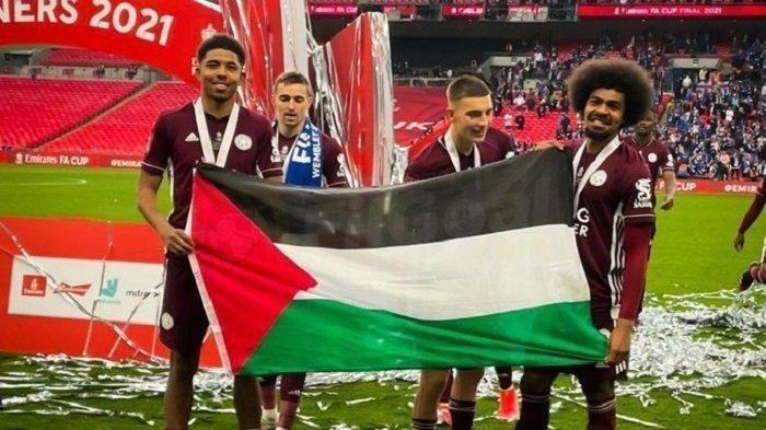 Inilah Sosok WesleyFofana Pemain Muslim Leichester City Bentangkan Bendera Palestina Usai Juara FA