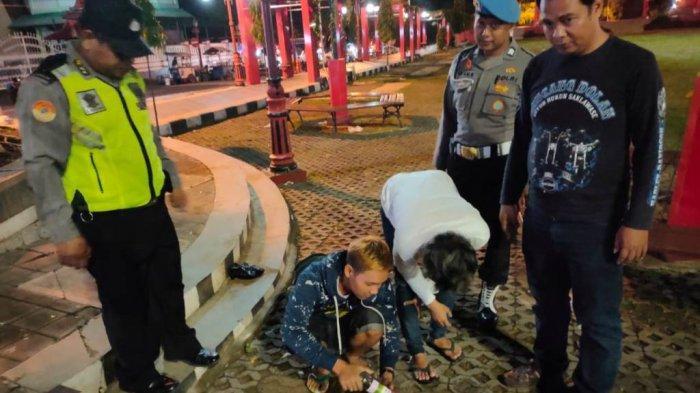 Tenggak Miras di Depan Kantor Bupati Wonogiri, Dua Pemuda Kepergok Patroli Polisi