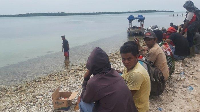 4 Dukun Bertindak Mencari Dandi Dimakan Buaya Hidup-hidup, Tancapkan Kayu dan Baju Korban di Lokasi
