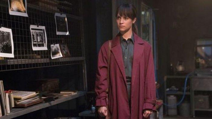 Sinopsis Film Earthquake Bird, Thriller Cinta Segitiga Alicia Vikander Streaming Hari Ini di Netflix