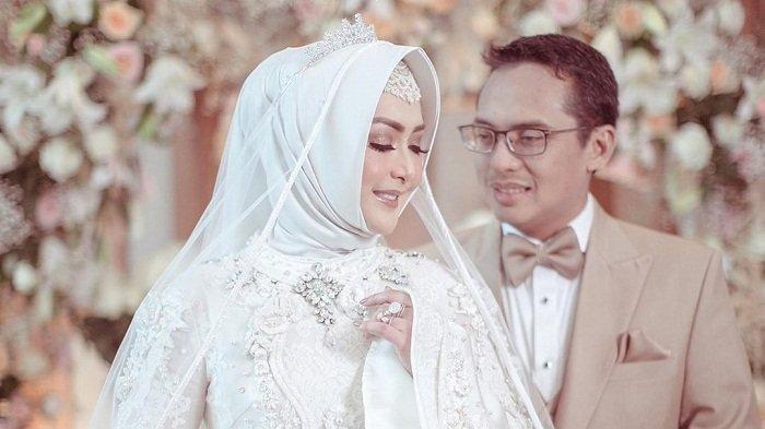 5 Pasangan Selebriti Berikut Ini Memilih Rujuk Setelah Bercerai
