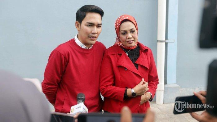 Tak Mau Anaknya Nikahi Elly Sugigi, Ibu Aditya Gumelar Jodohkan Putranya dengan Wanita Sukabumi
