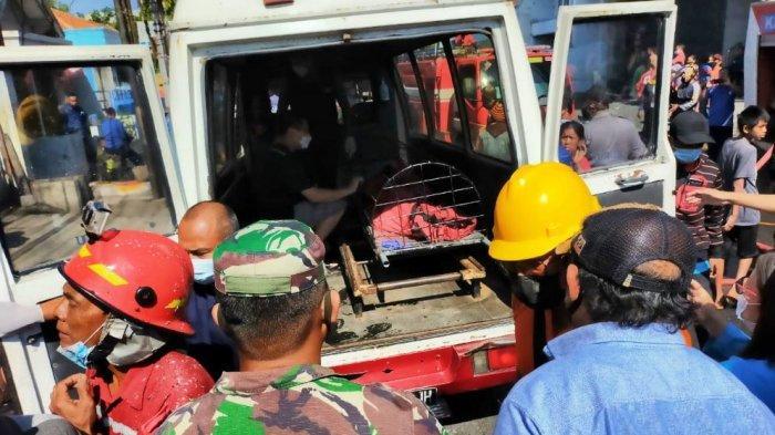 Evakuasi Jenazah wanita yang ditemukan warga di wilayah Kecamatan Ulujami Pemalang, Rabu (17/3/2021).