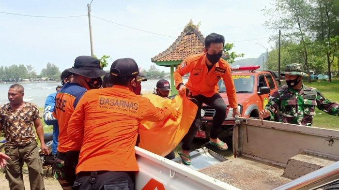 Jalan-jalan di Pemecah Ombak, Siswa TPQ Nur Huda Banjarnegara Terpeleset, Tenggelam di Pantai Congot