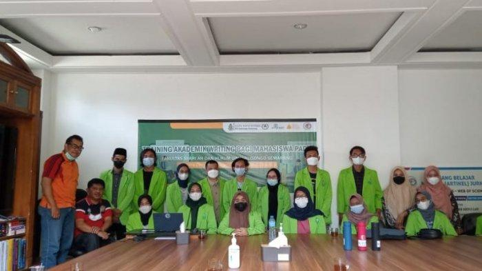 Mahasiswa FSH UIN Walisongo Ikuti Akademic Writing di Yayasan Irwan Abdullah Center Yogyakarta