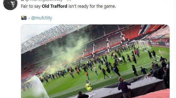 Suporter Manchester United Ngamuk Masuk ke Stadion Old Trafford Jelang  Lawan Liverpool: Jual MU!