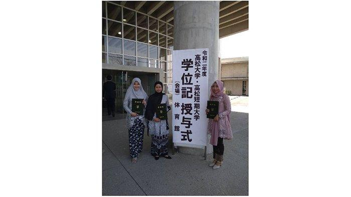 Keren, 3 Mahasiswa FEB Unsoed Purwokerto Lulus dari Takamatsu University Jepang