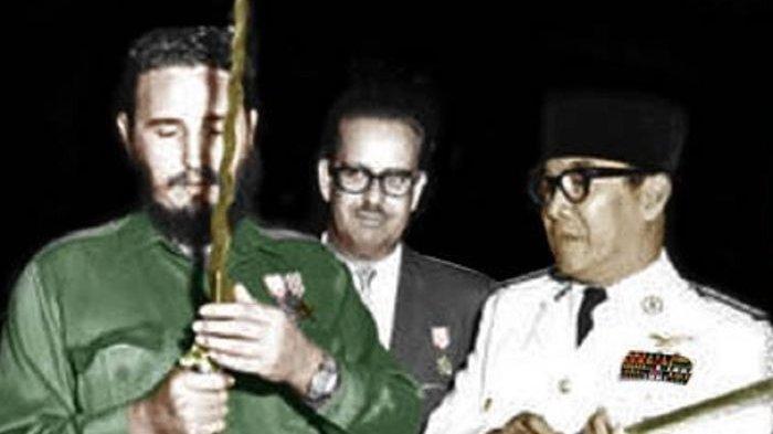 Fidel Castro Terbahak-bahak Dengar Jawaban Soekarno Soal Rokok, Peci hingga Tongkat, Ini Kisahnya
