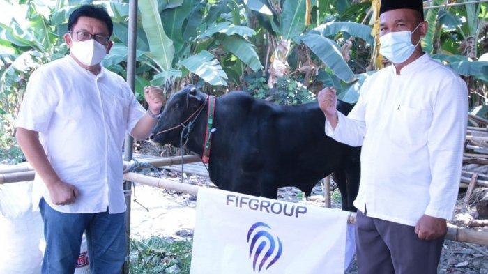FIF Group Tebar Kurban 373 Kambing dan 3 Sapi di 235 Titik Seluruh Cabang Indonesia
