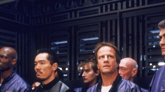 Sinopsis Fortress 2 ReEntry Bioskop Trans TV Jam 23.30 WIBAksi Heroik Selamatkan Keluarga