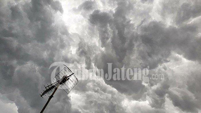 Peringatan Cuaca Buruk BMKG Jateng Jam 15.30 WIB