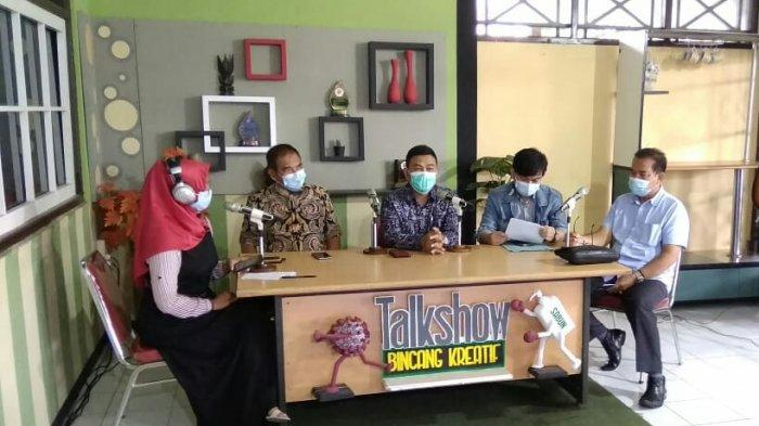 Bincang Kreatif di LPPL Radio Slawi FM, DPRD Jateng Dukung Program Pemberlakuan PPKM Mikro