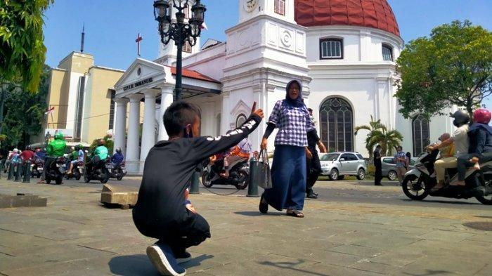Potret Fotografer Cilik di Semarang yang Kisahnya Viral di TikTok