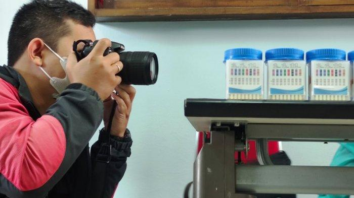 Cerita Fotografer Wedding di Banyumas, Hajatan Dilarang, Banting Setir Jadi Penjual Sandal Keliling