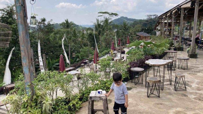 Janji Jiwa Flamboyan Ungaran yang beralamat di Jalan Flamboyan Raya Gunung Pabongan Desa Leyangan Kecamatan Ungaran Timur Kabupaten Semarang.