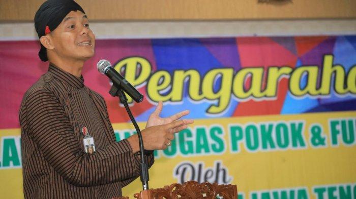 Gubernur Ganjar Ubah Aturan Pakaian Adat Seragam Para Pegawai Pemprov Jateng