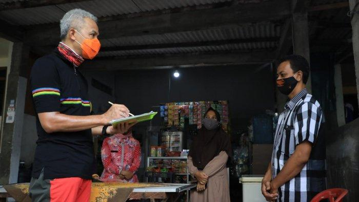 Ganjar Jadi Pendata BKKBN Dadakan di Semarang, Warga Auto Kaget Didatangi Gubernur