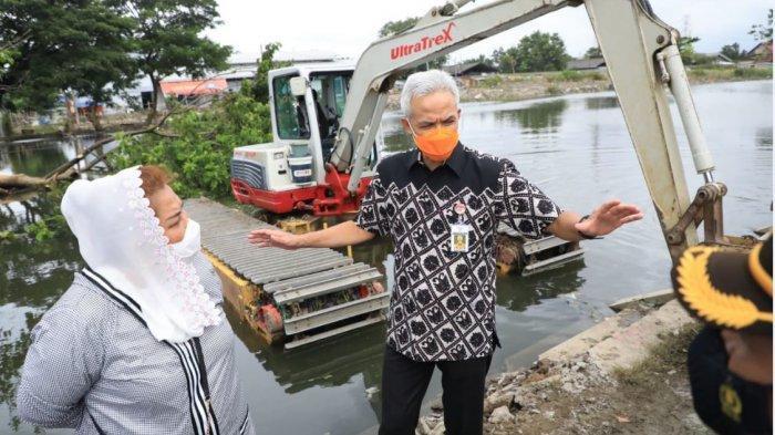 Banjir Semarang Masih Setinggi Paha, Ganjar Minta BBWS Aktifkan Semua Pompa Air