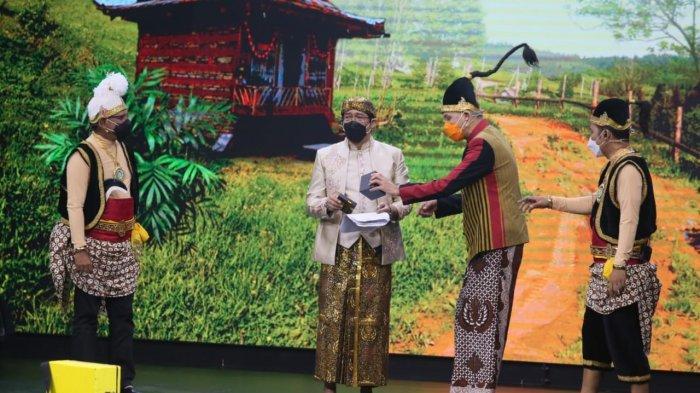 Ganjar Pranowo Jahili Parto Dalang OVJ Makan Belimbing Wuluh: Baru Ini Dalang Dikerjai Wayang